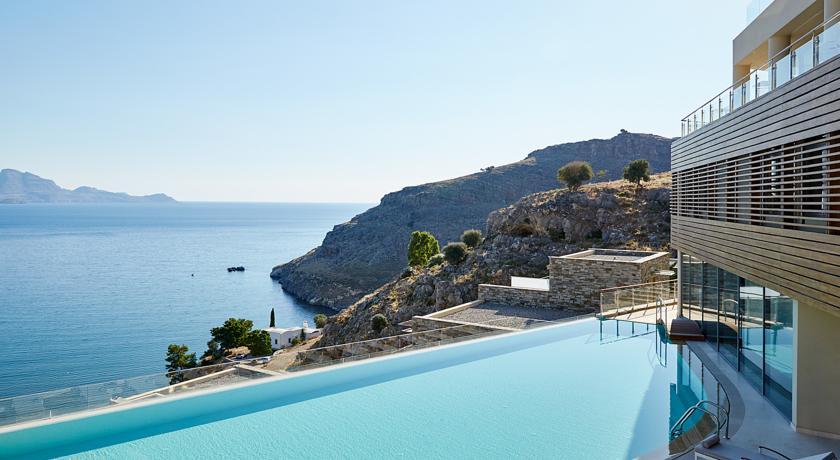 Сколько денег брать в Грецию