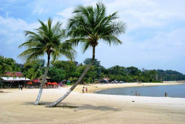 Пляжи Сингапура: Palawan Beach