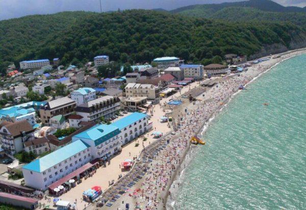 Новомихайловский: отдых у моря