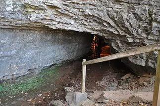 Пешая прогулка вдоль реки Аше к пещере «Ведьм»