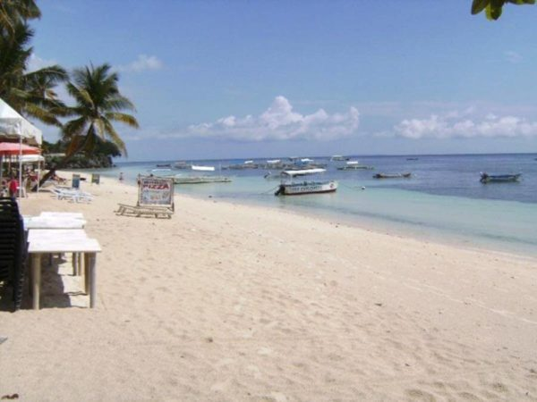 пляж Алона Бохол