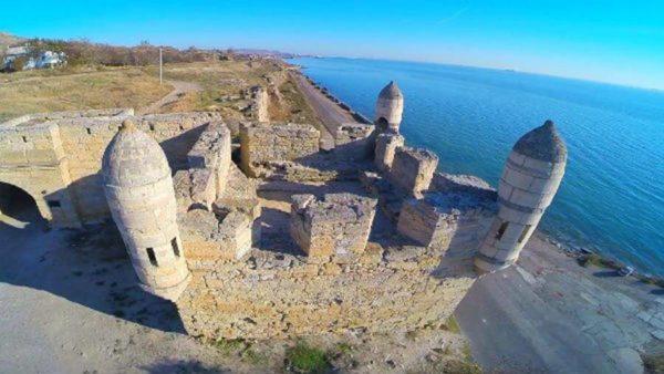 крепость в Еникале