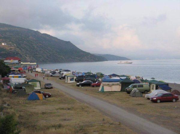 Самый дешевый отдых на Черном море: кемпинг