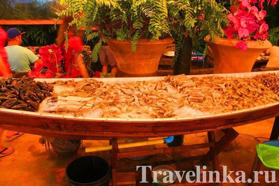 Безлимитный буфет на Пхукете на Патонге