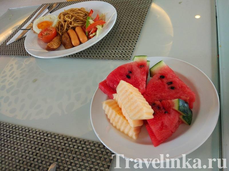 отель Beach Heights Resort Phuket