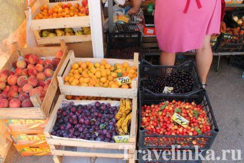 фрукты в Партените