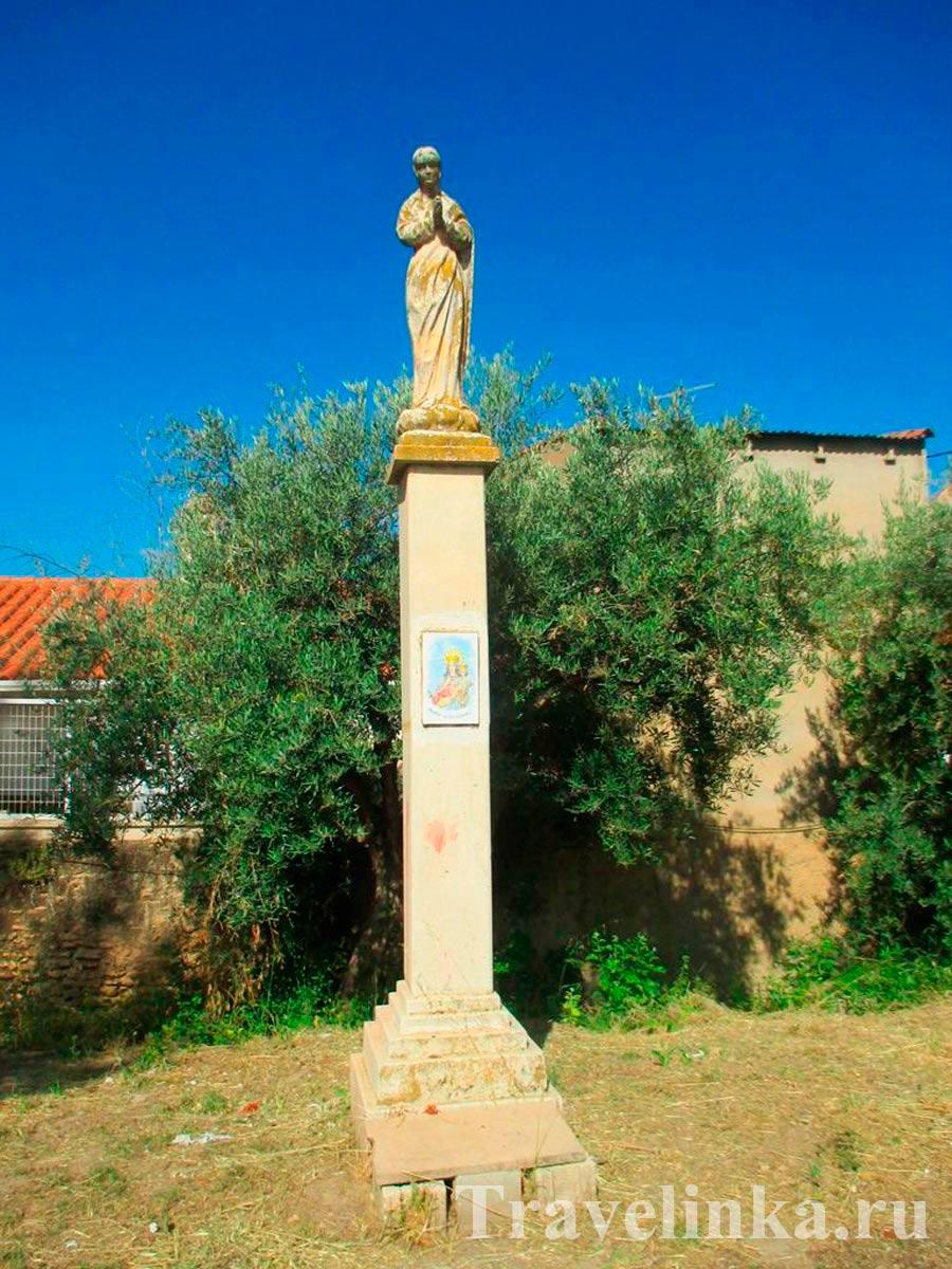Гуадикс памятник