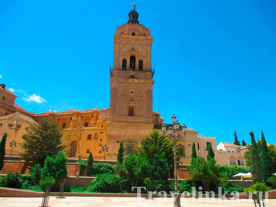 Кафедральный собор Гуадикс