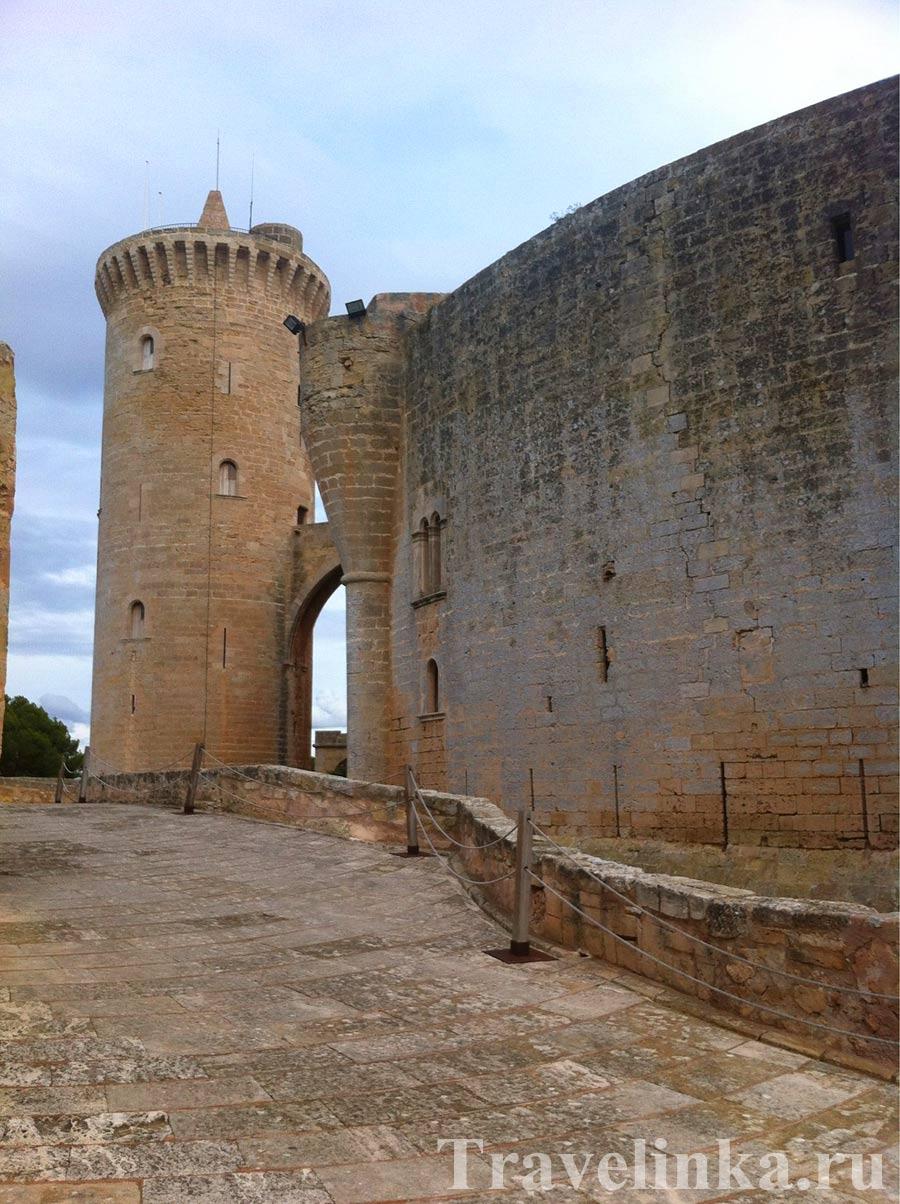 Замок Бельвер