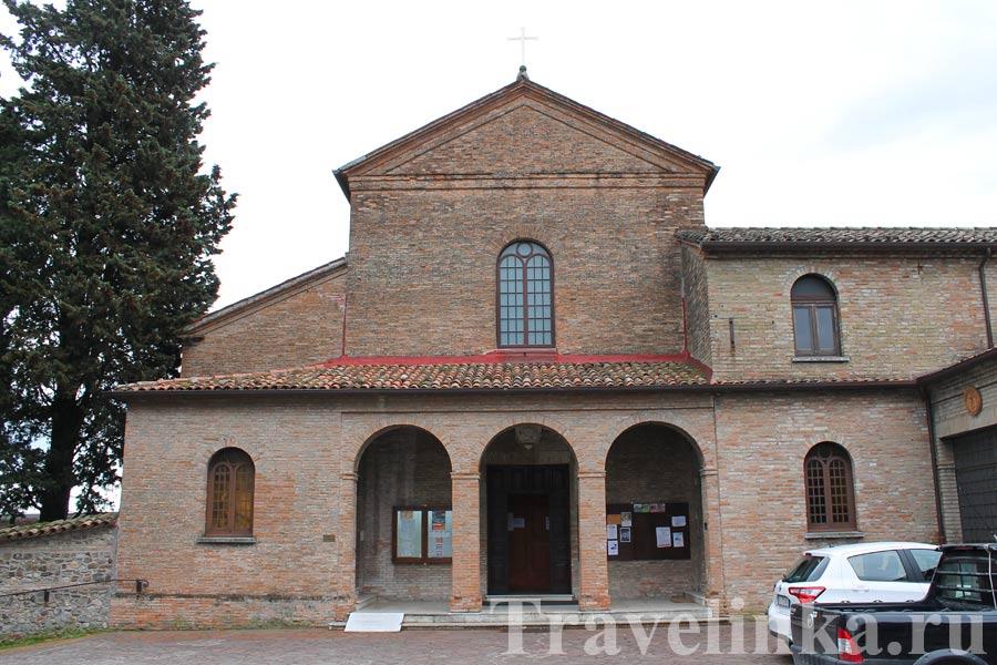 Церкви в Сантарканджело-ди-Романья