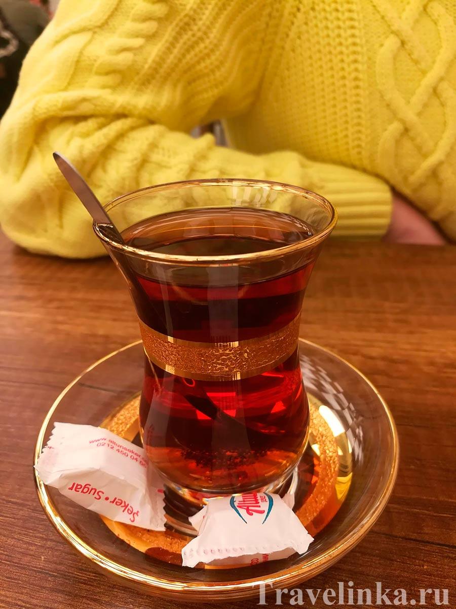 Турецкий чай в Balkan Lokantasi