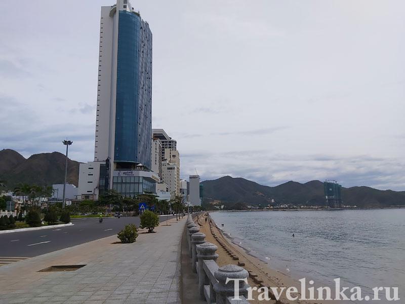 Пляж в Нячанге напротив отеля Muong Thanh Grand (читай Северный)#8