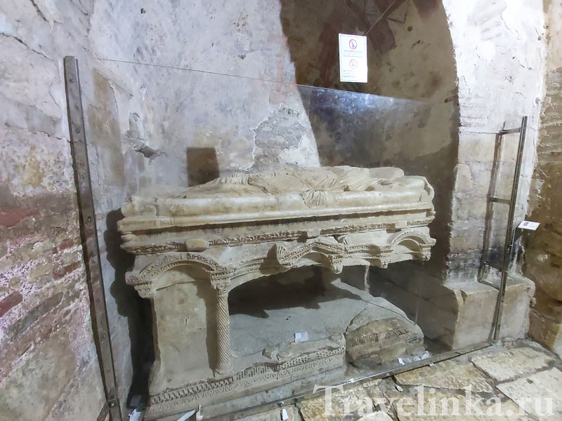 Саркофаг Святого Николая