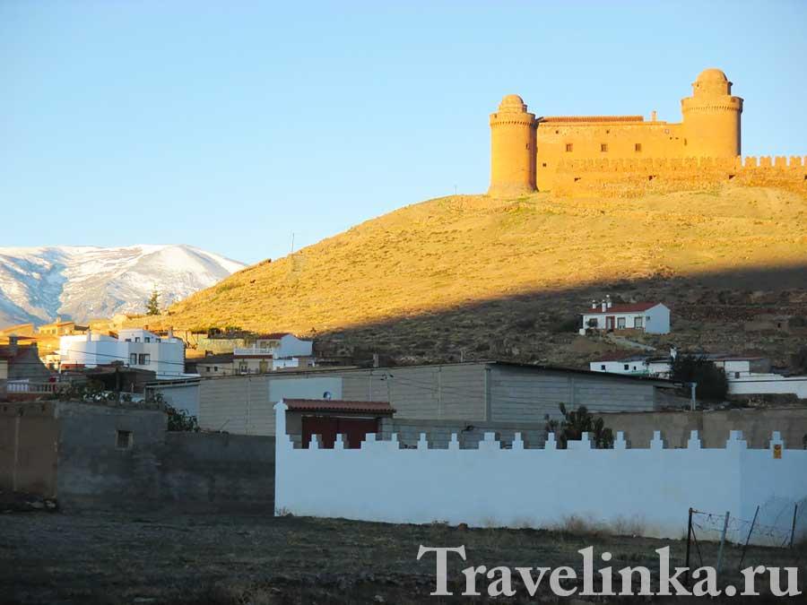 Замок El castillo de La Calahorra