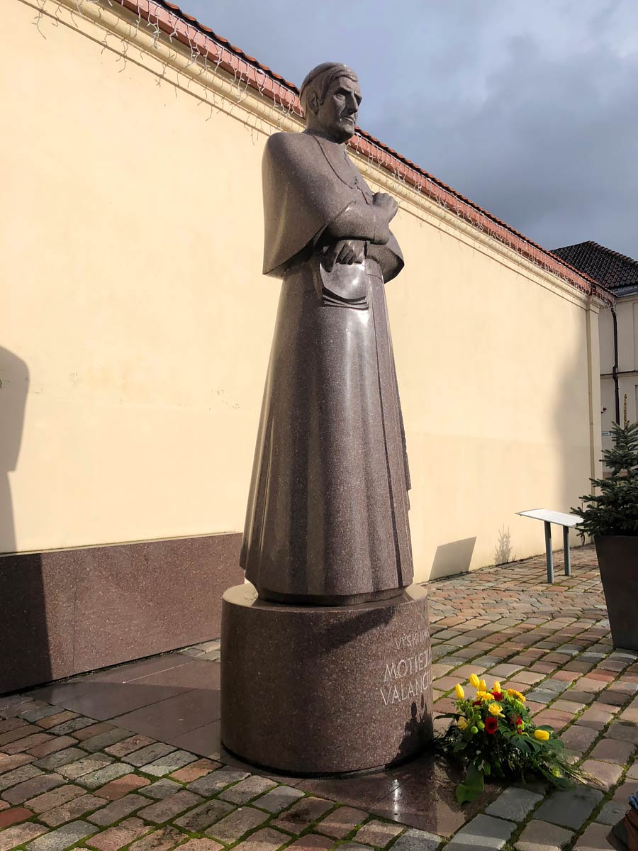 Памятник Мотеюсу Воланчюсу