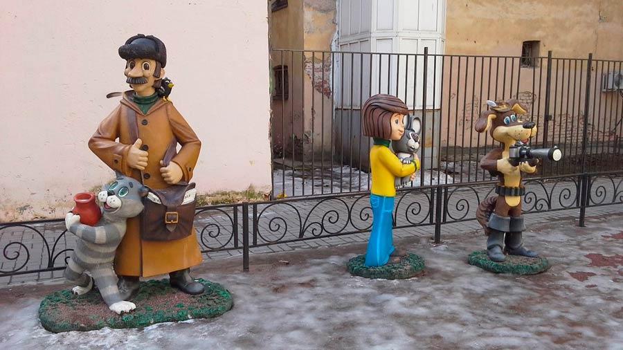 Двор с героями советских мультфильмов