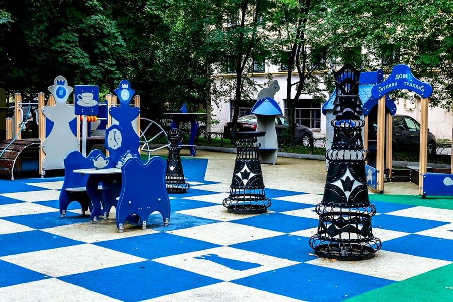 Шахматный дворик