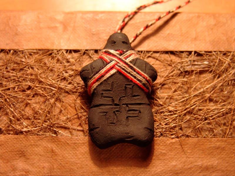 Глиняный амулет